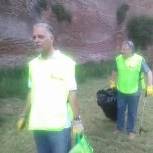 """Roma,  sos Porta Metronia. I volontari: """"Salviamo il Parco delle Mura"""""""