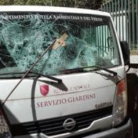 Roma, sette attacchi al Servizio giardini del Comune: