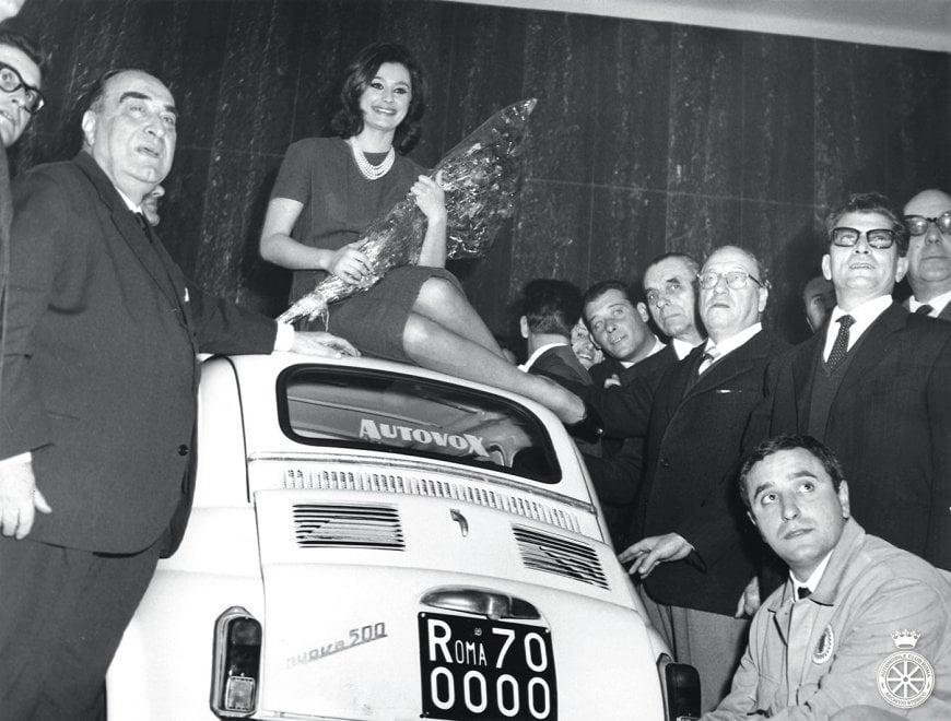 Sordi, Bongiorno e la Carrà: una mostra racconta Roma dalla Mille Miglia alla Dolce Vita