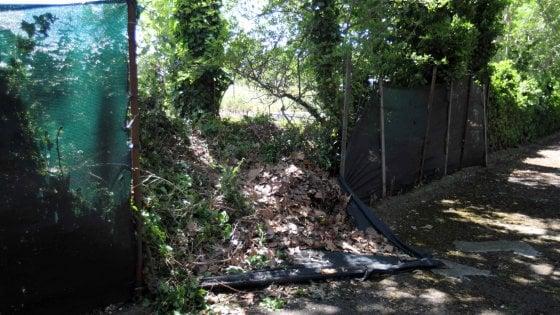 Roma, auto esce fuori strada in via Nomentana a Sant'Alessandro: morti due ragazzi