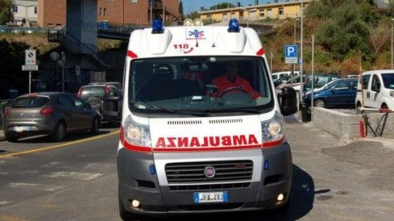 Roma, muore ragazza di 16 anni: era stata travolta da taxi alla fermata del bus