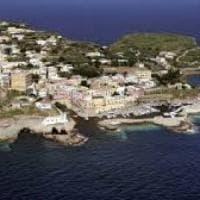 Turbativa d'asta a Ventotene, cinque persone ai domiciliari: tra loro ex sindaco ed ex assessore