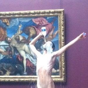 Fece il bagno nudo nella fontana di trevi si spoglia alla national gallery di londra - Bagno nella fontana di trevi ...