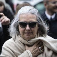 Roma, la stilista Laura Biagiotti in condizioni gravissime: avviato iter per accertamento...