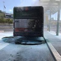 Roma, bus in fiamme a Ponte Mammolo: è il decimo da inizio 2017
