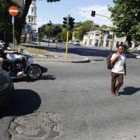 """Roma, il safari senza """"zebre"""": con le strisce sparite pedoni come prede"""