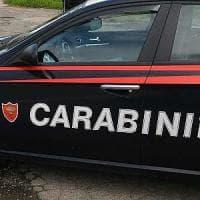 Roma, rapina a supermercato Torvaianica con l'accetta: due arresti