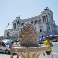 Roma, restaurata la fontana della Pigna a piazza San Marco