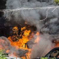 Roma, paura a Battistini, autodemolizioni in fiamme. Tre i palazzi evacuati
