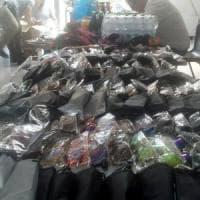 Roma, controlli sulle spiagge: sequestrati 4 tonnellate di merce illegale