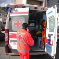Roma, ha un malore mentre guida: il figlio di 10 anni  prende il cellulare e chiama il 112. Salvata