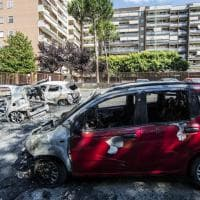 Roma, quaranta auto in fiamme nella notte al Torrino