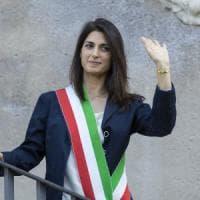 Roma, un anno di Raggi: decoro, bus e nomine. Le spine della sindaca