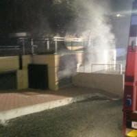 Sant'Angelo Romano, fiamme tra i palazzi, trenta evacuati