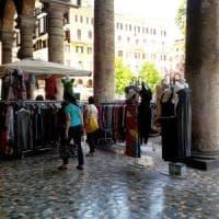 Roma, piazza Vittorio, casbah sotto i portici è rissa tra 5 Stelle e I