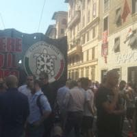 Casapound scende in piazza, in migliaia a Roma contro lo 'ius soli'.