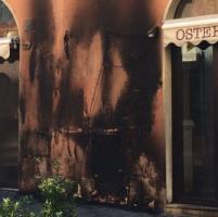 Roma, osteria in fiamme a via della Vite