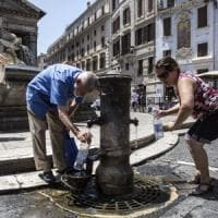 Roma, le falle della rete colabrodo e l'acqua sprecata dai nasoni
