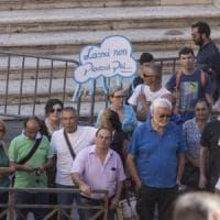 Roma, artisti politici e fan per
