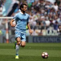 Lazio, Parolo ko: non va ad Auronzo per curarsi. Allarme per la tendinite al ginocchio del mediano