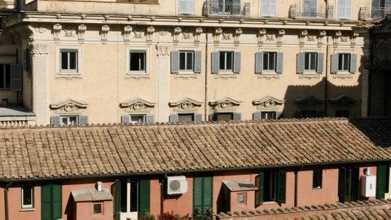 roma l 39 ufficio condono aperto tre ore e centodiciemila