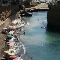 Ventotene, si pulisce la spiaggia e l'acqua diventa torbida
