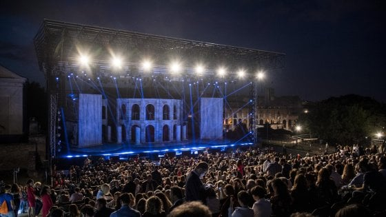 La grande fuga da Nerone: l'opera rock è un flop con i soldi pubblici