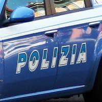 Roma, ubriaco, litiga con moglie e tenta soffocarla, arrestato