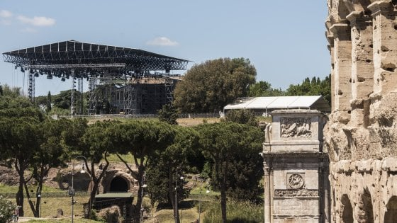 Roma, sul Divo Nerone rock il faro della Corte dei conti