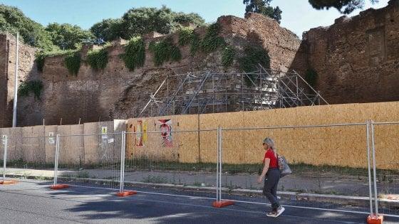 Strade chiuse e barriere dimenticate, Roma ostaggio dei lavori senza fine