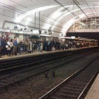 Roma, così la metro ha trascinato Natalya. Dubbi sui sistemi d'allarme, indagato il macchinista