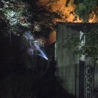 Roma, incendio a Tor di Quinto, in fiamme anche alcuni capannoni