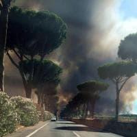 Roma, fiamme a Castel Fusano: chiusa la Colombo