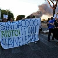 Roma Est, protesta contro i roghi tossici: bloccato viale Togliatti. Intanto, divampa un altro incendio