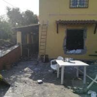 Anguillara, esplosione in una villetta a causa di una fuga di gas: 4 feriti