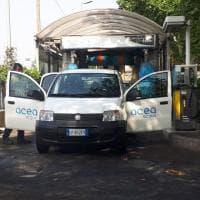 Siccità a Roma, ma la vettura dell'Acea va all'autolavaggio
