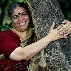 """Vandana Shiva: """"La Spa non pensi al profitto, l'acqua è un bene di tutti"""""""