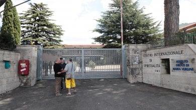 Rocca di Papa, lanciata bomba carta  contro centro d'accoglienza per migranti