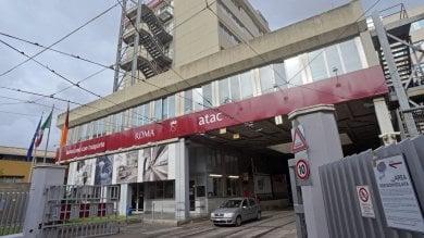 """Atac, il dg Rota: """"Azienda verso fallimento""""  M5S: """"Avevi carta bianca"""". Manager in bilico"""