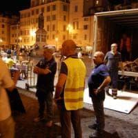 Roma, sequestrati tavoli e sedie a Campo de' Fiori. denunciati 4 ristoratori