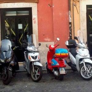 Campo de' Fiori, abusi edilizi in un ristorante: sigilli al locale