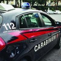 Roma, 1900 euro di merce rubata nella borsa schermata: arrestato