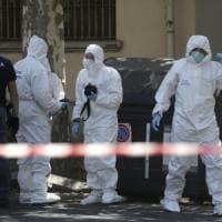 Orrore a Roma, donna fatta a pezzi: il corpo gettato in diversi cassonetti. Fermato il...