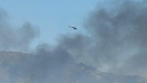 Incendio doloso in zona Aurelia a Roma. Fiamme a Santa Marinella, chiusa poi riaperta l'autostrada A12.