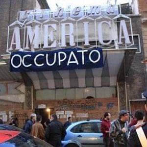 """Roma, il New York Times celebra il Cinema America: """"Trastevere muore se lo abbatte"""""""
