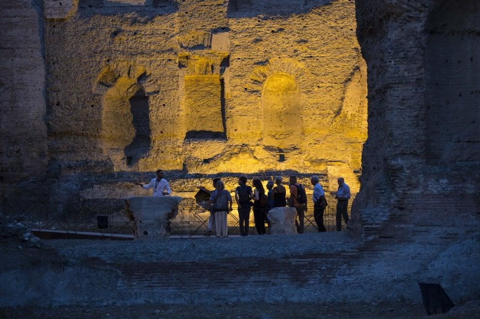 Roma, con i visitatori nei sotterranei delle Terme di Caracalla