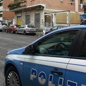 Roma, aggredisce compagna per soldi: bloccato da agente libero dal servizio