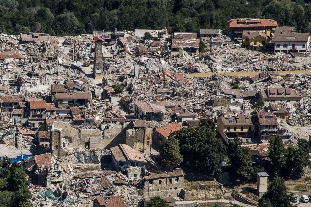 Terremoto centro Italia, Amatrice vista dall'alto un anno dopo