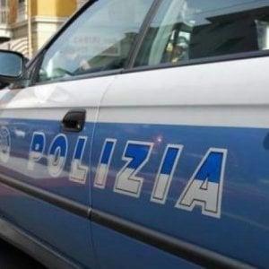 """Frosinone, trovati otto migranti nascosti in un tir: """"Saliti a bordo di nascosto in Grecia"""""""