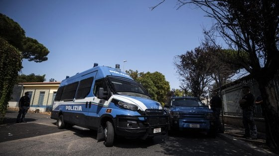 Roma, rissa tra migranti e residenti: ferito eritreo. Si indaga per lesioni gravi